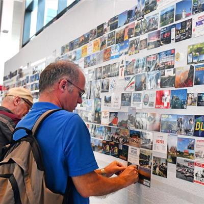 Internationale Amateurfunk-Ausstellung - QSL-Wand